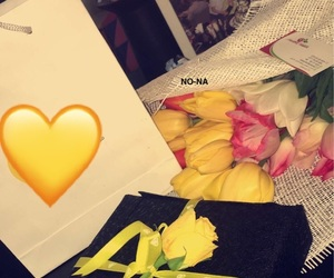flowers, 💛, and هديه image