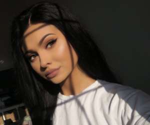 girl, makeup, and kylie jenner image