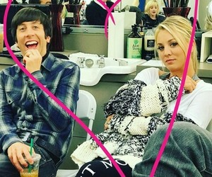 actor, kaley cuoco, and simon helberg image