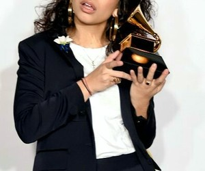 grammy and alessia cara image