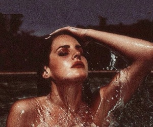 lana del rey, pool, and Queen image