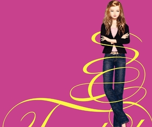 book, twisted, and sara shepard image