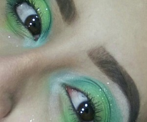 green, highlight, and maquillaje image