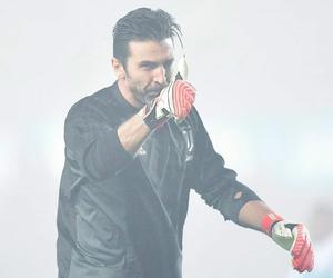 Juventus, no 1, and buffon image