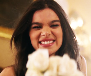 hailee steinfeld and icon image