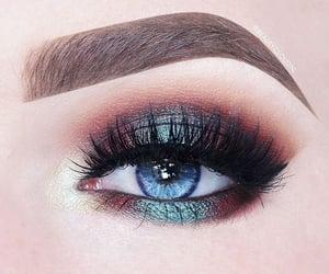 beauty and eyeshadow image