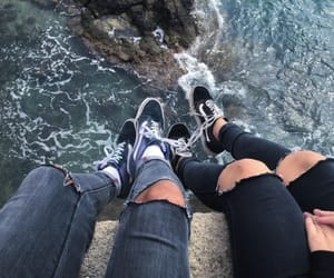 couple, aesthetic, and sea image