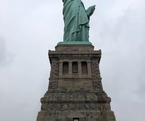 new york, statue of liberty, and estatua de la libertad image