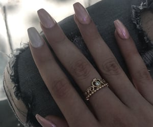 nails, ring, and Queen image
