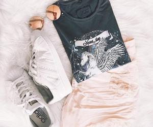 belleza, outfits, and unicornio image