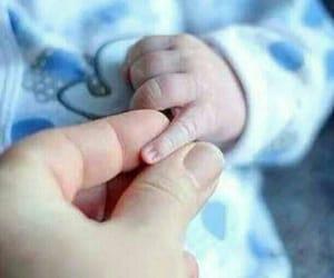 baby, hand, and اطفال image