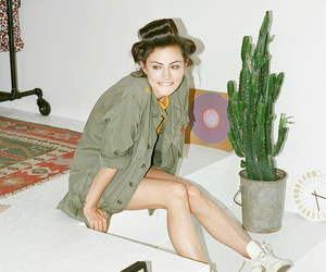 reblog, women, and phoebe tonkin image