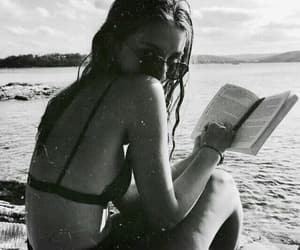 black and white, playa, and verano image