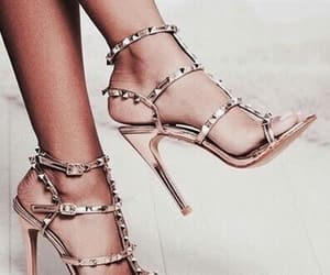 fashion, look, and Valentino image