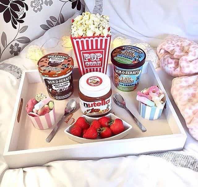 popcorn and strawberry image