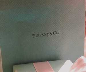blue box, Breakfast at Tiffanys, and jewelry image
