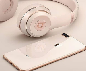iphone and beats image