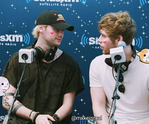 luke hemmings, muke, and michael clifford image