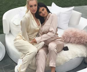 kylie jenner, pink, and pregnant image