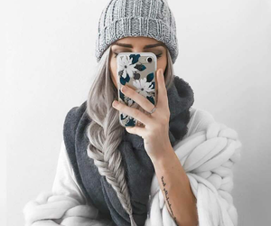 awesome hair, beanie, and silver hair image