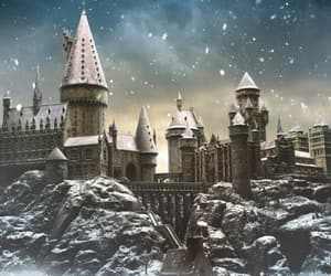 harry potter, hogwarts, and snow image