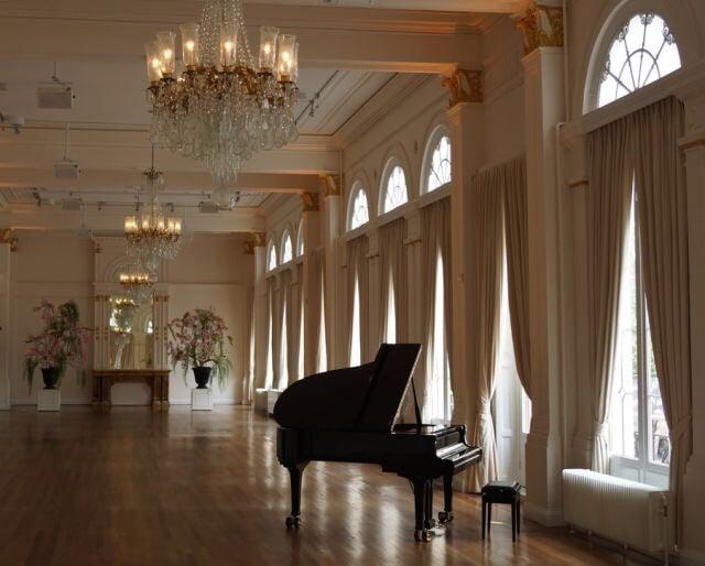 piano and interior image