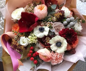 beautiful, bouquet, and feminine image