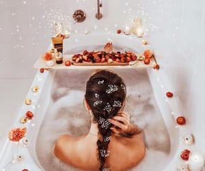 bath, hogar, and flowers image