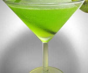 cocktail, kiwi fruit, and midori splice image