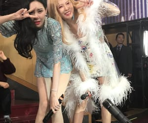 hyuna, sunmi, and girl image