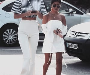 fashion, kourtney kardashian, and kendall jenner image
