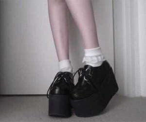 pale, grunge, and shoes image