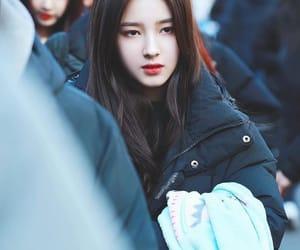 beauty, lee seung ri, and momoland image