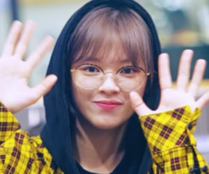 icon, yoo jeongyeon, and kpop image