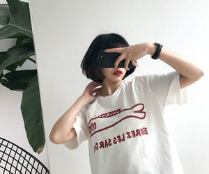 minimalism and outfit image