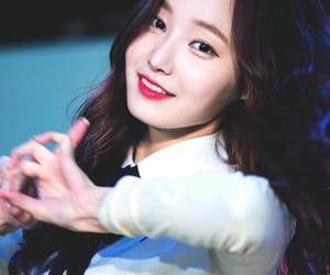 k-pop, yeonwoo, and momoland image