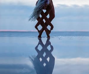 peaceful, reflet, and yoga image