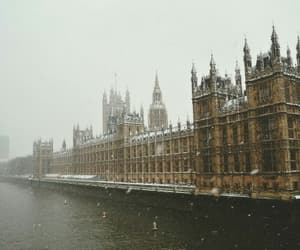 london, city, and winter image