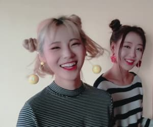 kpop, yves, and jinsoul image