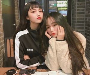 best friends, korean, and friends image
