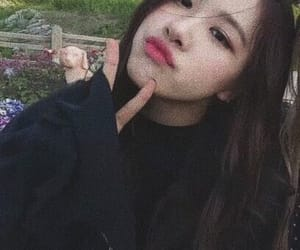 rose, blackpink, and chaeyoung image