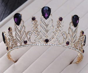 accessories and crowns image