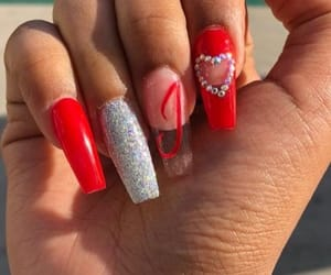 nails and valentine image