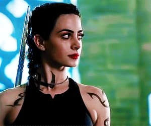 gif, isabelle lightwood, and shadowhunters image