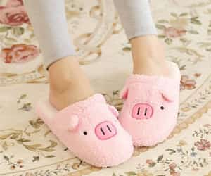 pig, slippers, and cerdito image