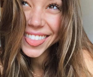 body, life, and alexis ren image
