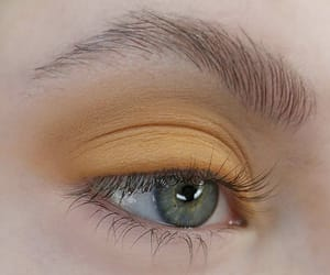 makeup, yellow, and aesthetic image