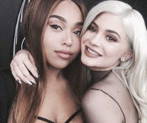 kylie jenner, jordyn woods, and friends image