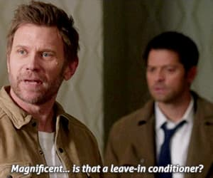 dean winchester, gif, and spnfamily image
