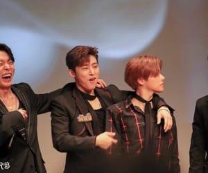 bi, jinhwan, and Ikon image